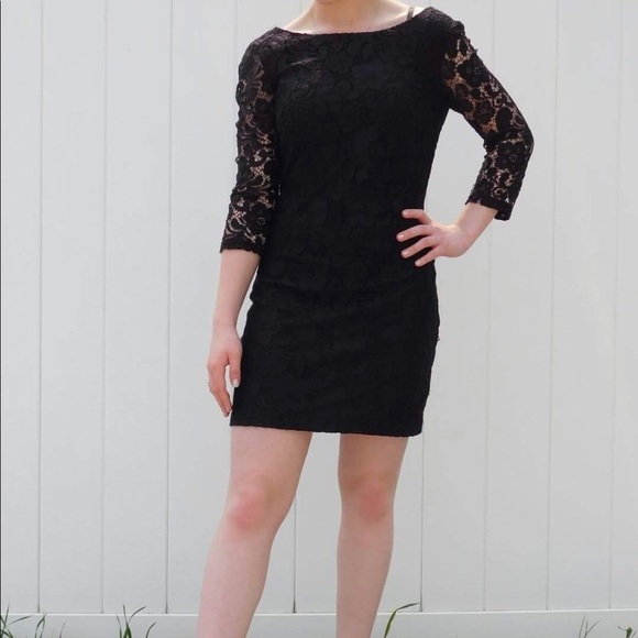le chateau Dresses & Skirts - Le Chateau Sleeved Cocktail Dress